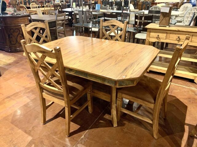Dining Table with 4 Chairs & Butterfly Leaf