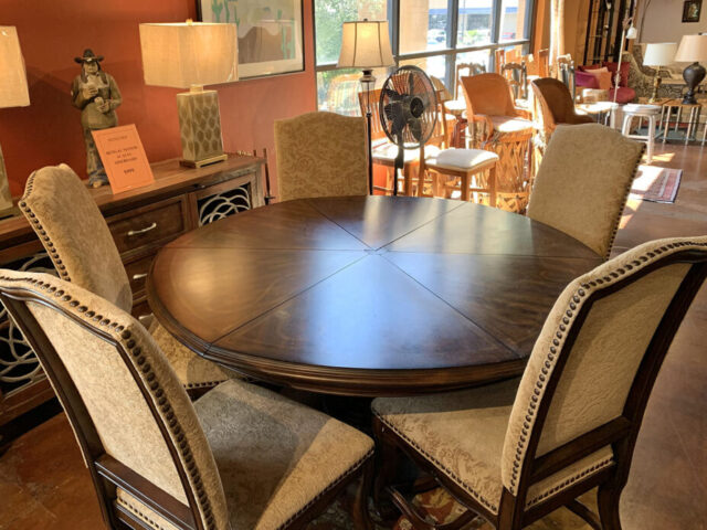 A.R.T. Table with 5 Chairs
