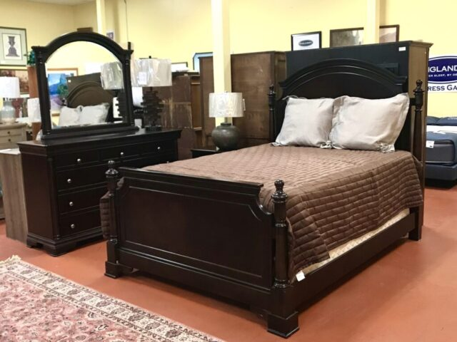 Queen Bed with Dresser, Mirror and Nightstand