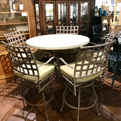 Patio Bar Table with 5 Swivel Stools