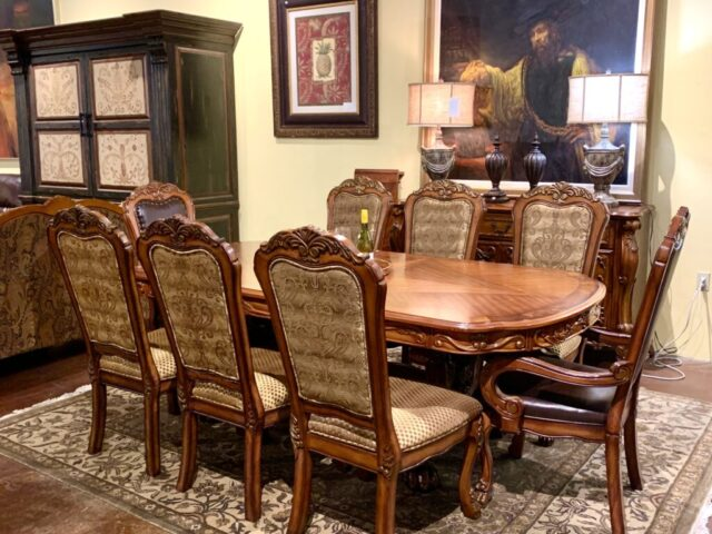 Trestle Table with 8 Chairs and 2 Leaves
