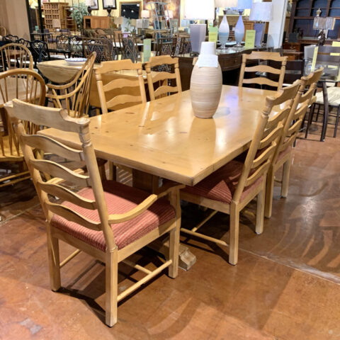 Table with 6 Chairs & 2 Leaves