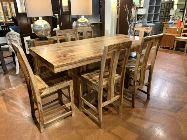 Buffalo Counter Table with 6 Stools